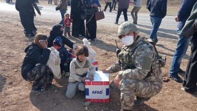 Photo of تركيا تواصل تقديم المساعدات للمدنيين شمال سوريا