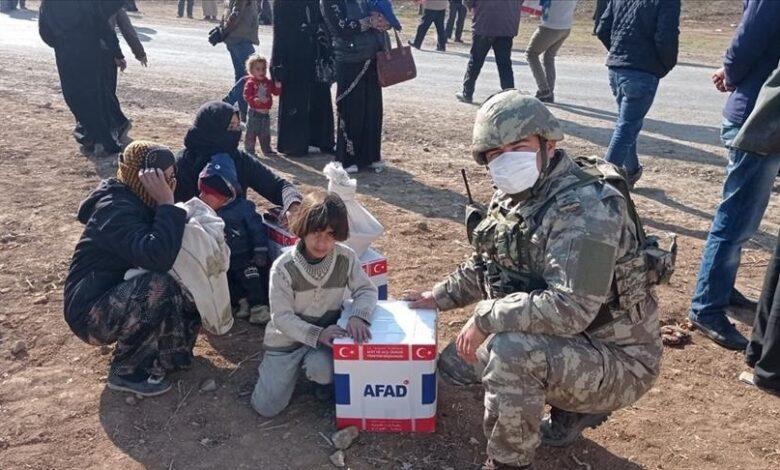 تركيا تواصل تقديم المساعدات للمدنيين شمال سوريا