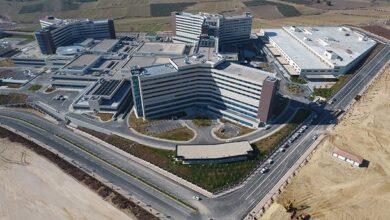 Photo of أردوغان يفتتح مدينة طبية و79 مدرسة ومشاريع تنموية شمال شرقي تركيا