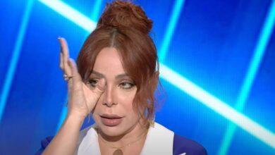 Photo of سوزان نجم الدين تبكي وتنسحب من لقاء متلفز وتصف إحدى الشخصيات بالسخيفة (فيديو)