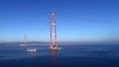 Photo of تركيا تواصل استكمال أهم مراحل بناء جسر جناق قلعة الأطول في العالم